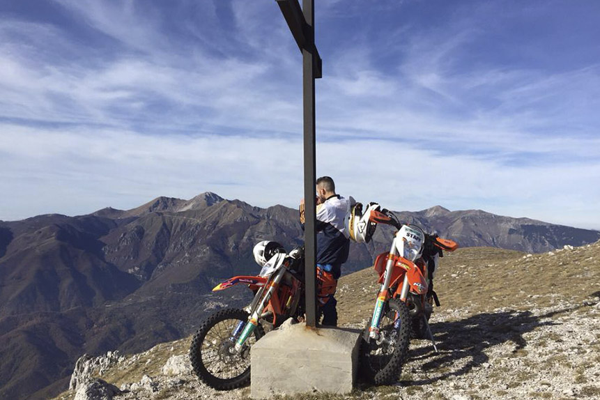 Enduro tour in the mountains of Abruzzo